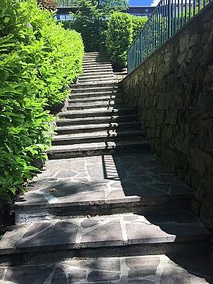 scalinata chiesa-comune 1
