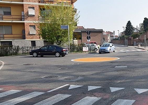 Nuovo asfalto per le strade santenesi.
