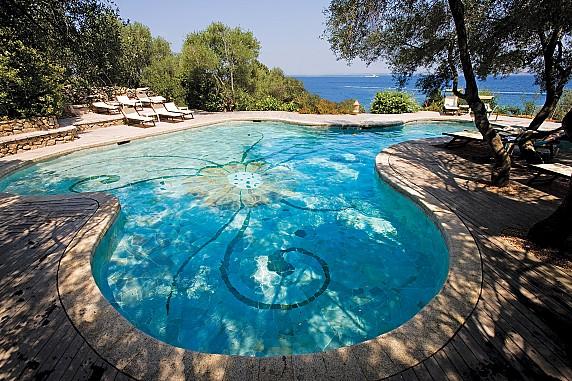 6_Orso_piscinaRGB