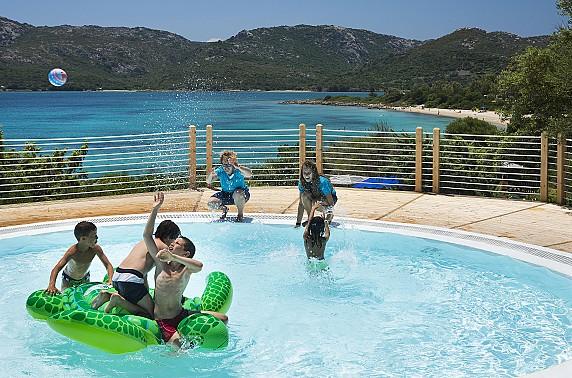 6_Lepre_bambini_piscina_RGB