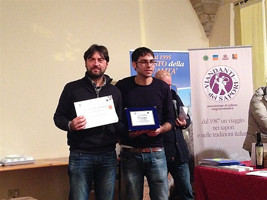 "Premiazione primo classificato categoria ""Oli fruttati medio-intensi"""