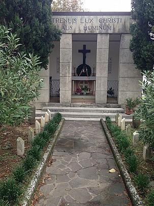 Monumento ai caduti in località Castello di Montegridolfo