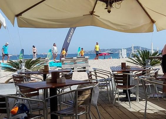 Octopus Restaurant Beach Bar