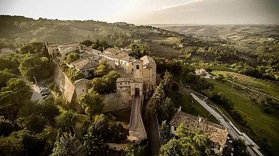 castello-di-montegridolfo-hotel-palazzo-viviani_1000_560_698_1527002530