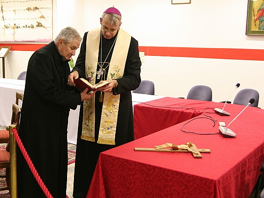 Vescovo  (2)