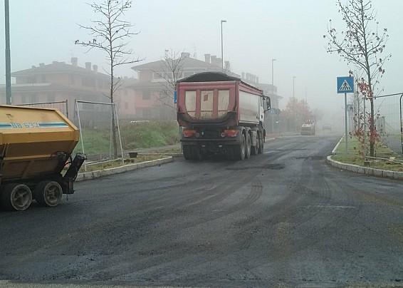 Lottizzazione Arcobaleno: si parte con gli asfalti
