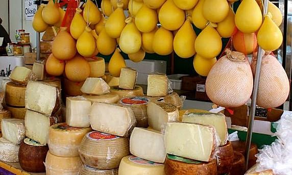 mercato-formaggi