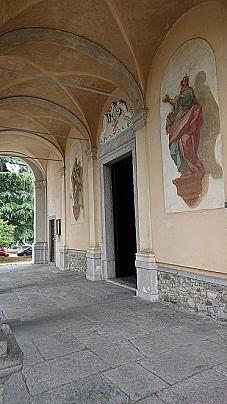porticato chiesa SS. Pietro e Paolo