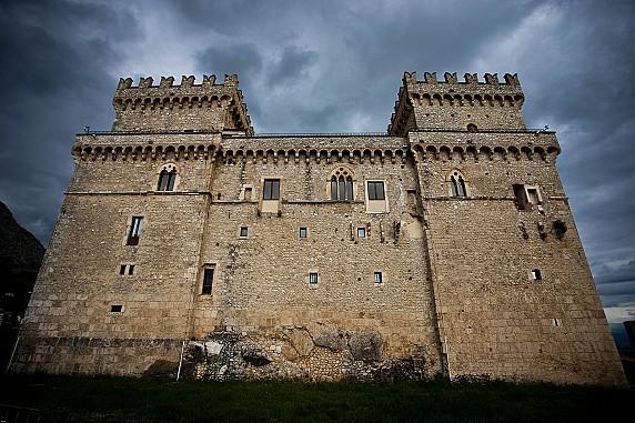 5 Prospetto sud-ovest del castello