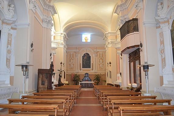 navata della chiesa di san francesco