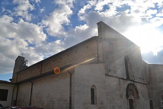 esterno della chiesa di santa maria