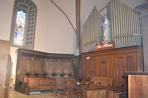 coro ligneo e organo della chiesa di santa maria