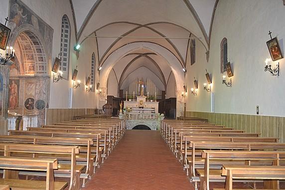 navata della chiesa di santa maria