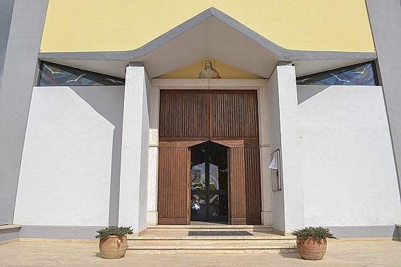 ingresso chiesa del sacro cuore