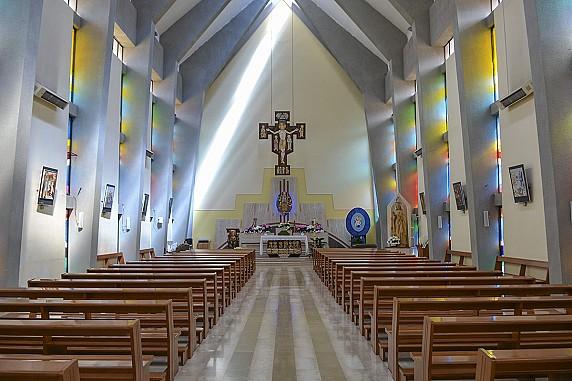 navata chiesa del sacro cuore