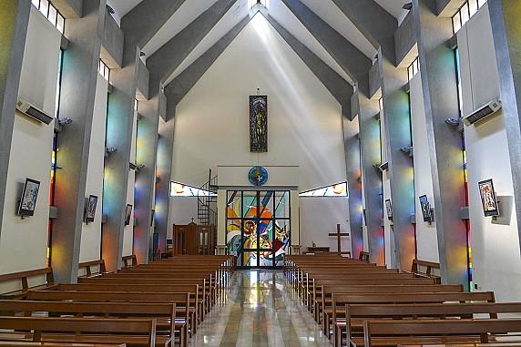 interno chiesa del sacro cuore
