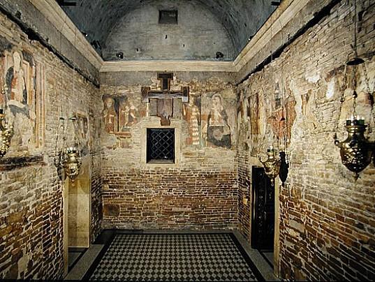 le-pareti-della-santa-casa-1