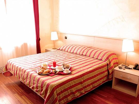 hotelmarguareis-1