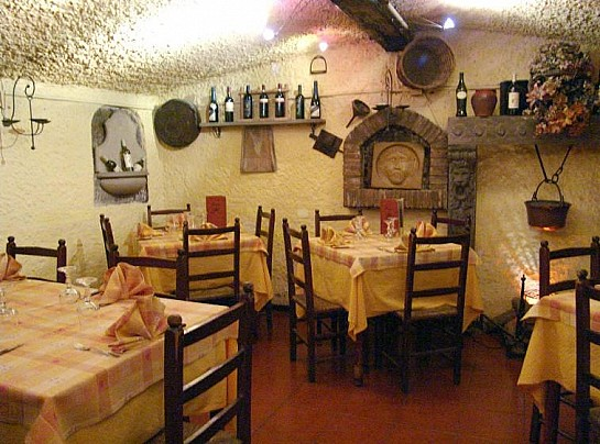 Pizzeria La Grotticella (di Skuoi Agron - AIR VITORCHIANO)