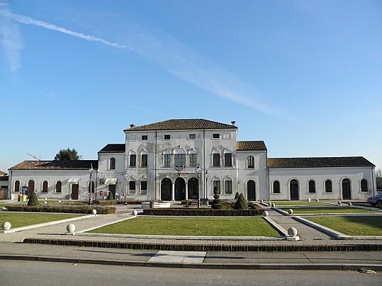 Villa_Verità_(San_Pietro_di_Morubio)
