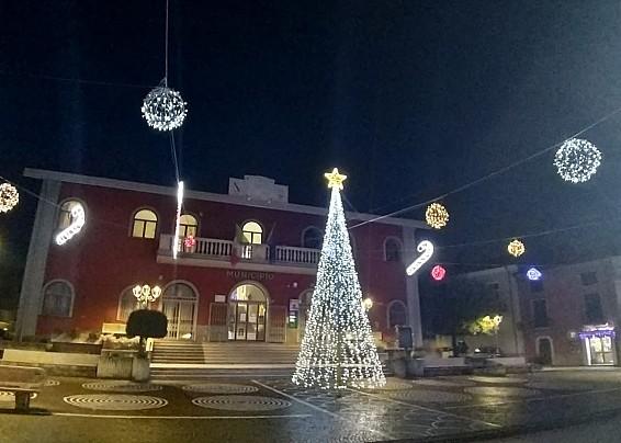 Forino, la magia del Natale - luminarie, simbolo di speranza