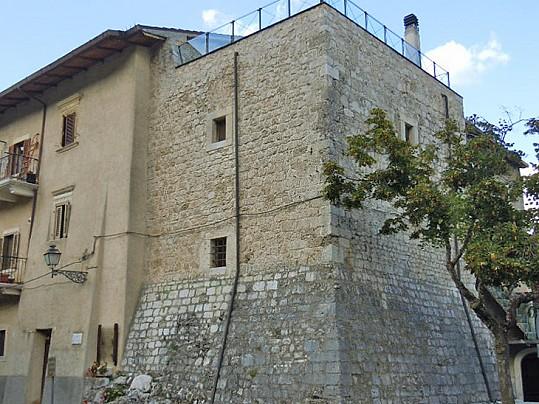 torre-baronale-1-collelongo