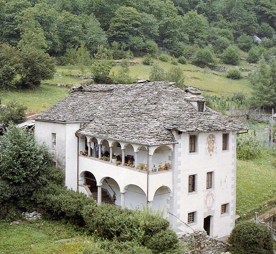 casa parrocchiale vanzone