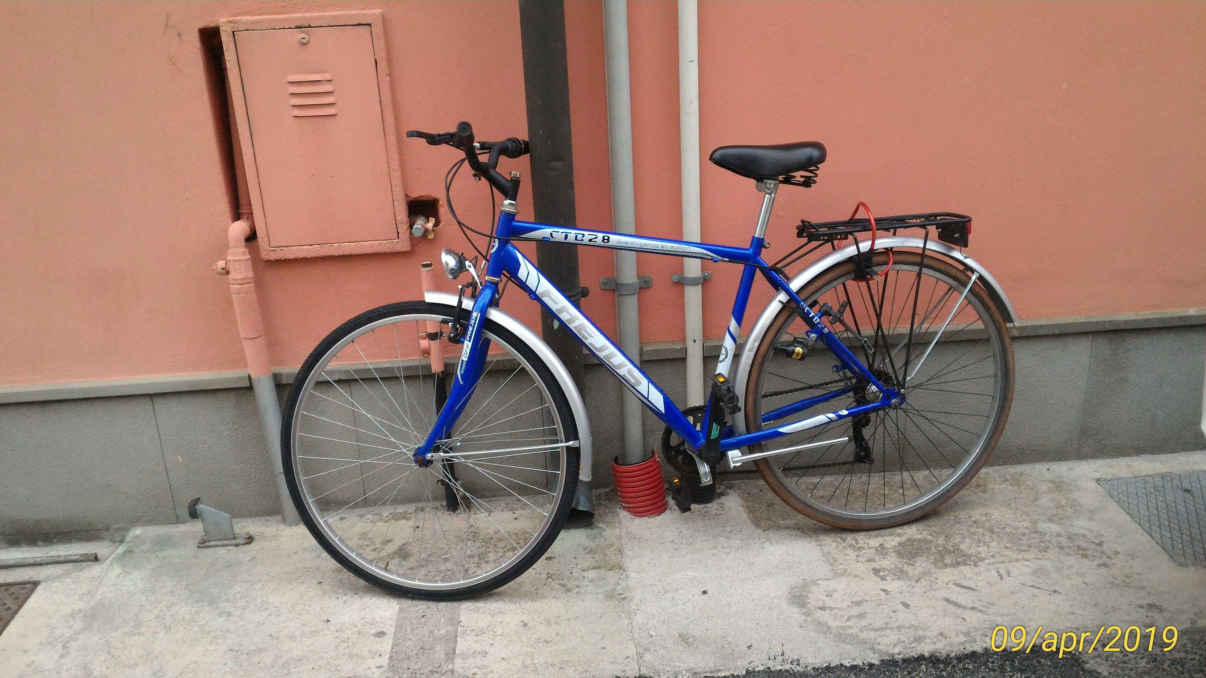 Bicicletta Da Uomo Colore Blu Marca Frejus Città Di Viadana